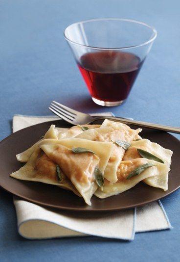 Butternuss-Kürbis Ravioli in vegan! Rezept auf www.gofeminin.de/kochen-backen/vegane-rezepte-d17167c245350.html