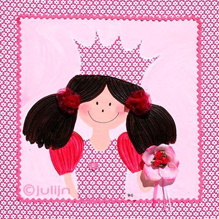 Saar is geschilderd op een wit/roze gebloemde stof. En ze heeft een bloemetje in de hand met bloemetjes die er op genaaid zijn. www.julijn.nl