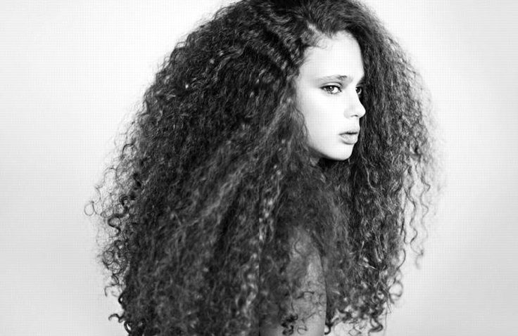 I know this post isn't going to be for everyone but after I wrote this post on how to grow your hair, I started receiving afew emails from young girls asking me how I style my hair and what products I use so I thought I should just write another blog post about it. Curly … Continue reading Mixed Curly Hairstyles Ideas For  Mixed Chicks →