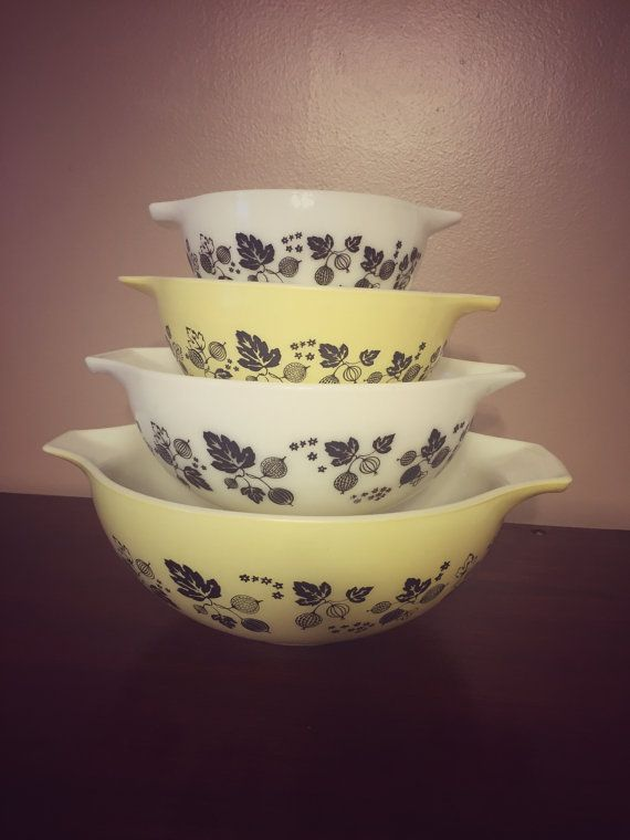 Vintage Pyrex Gooseberry Cinderella Mixing by BrownandCoReclaimed