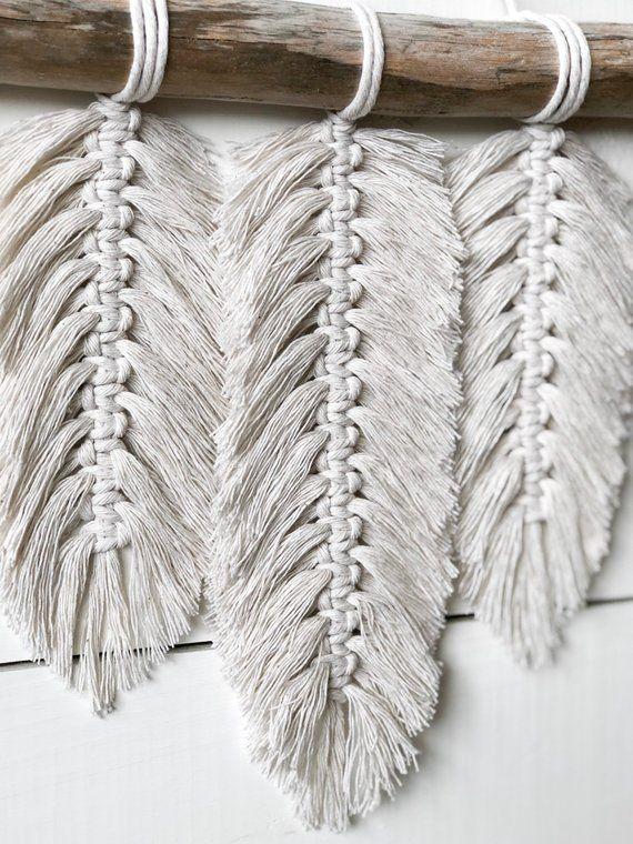 Macramé petite Tenture murale – plumes – macramé plumes – macramé Residence Decor – Residence Decor – Boho Decor – Boho Artwork – Boho plumes – en macramé