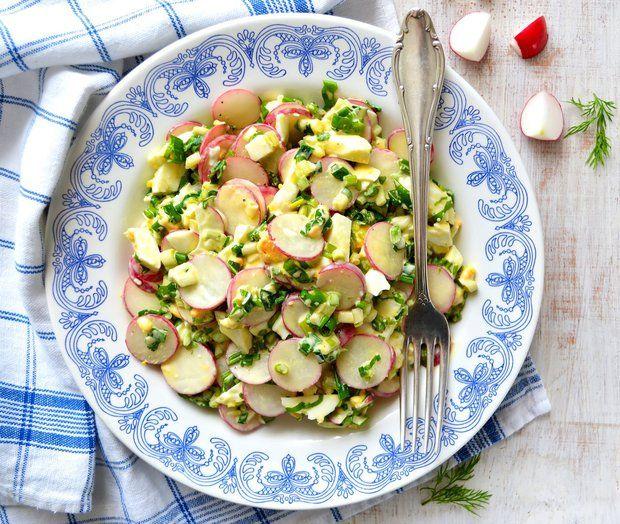 Vajíčkový salát s ředkvičkami a medvědím česnekem , Foto: iStock
