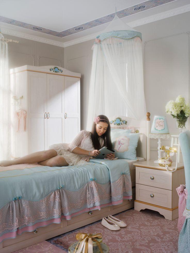 Детская кровать с подъемным механизмом Cilek Flora