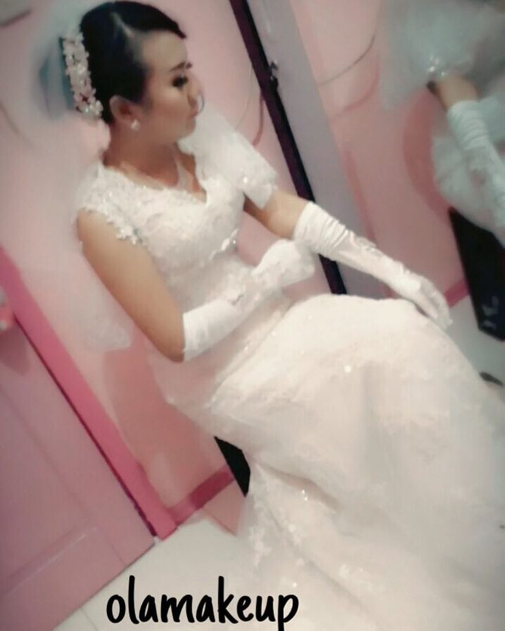 mybride today ' thanks cc chika&kko andi ����happy wedding #graduation #beautician #bridesmaids#makeupaddict #wedding #maccosmetic #mua #hudabeauty #hudabeautylover #singlehappy #fotografer #bridesmaiddresses #bridemakeup #arabic#ootd #magazine #indonesia #fun #coolhunterun #snapb#ack #instagramiphon  #paris #usa #london #iphoneonly #phonegraphy #eotd #motd #muaworld http://ameritrustshield.com/ipost/1554432035719030246/?code=BWSc7NkhSXm