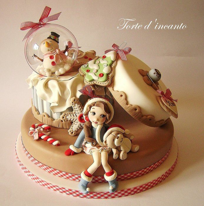 EDITOR'S CHOICE (11/17/2013) Sweet Xmas by Torte d'incanto  View details here: http://cakesdecor.com/cakes/97499