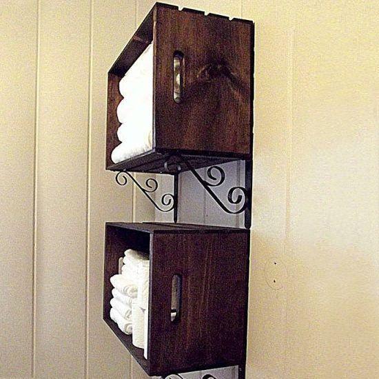 armário com caixa de madeira