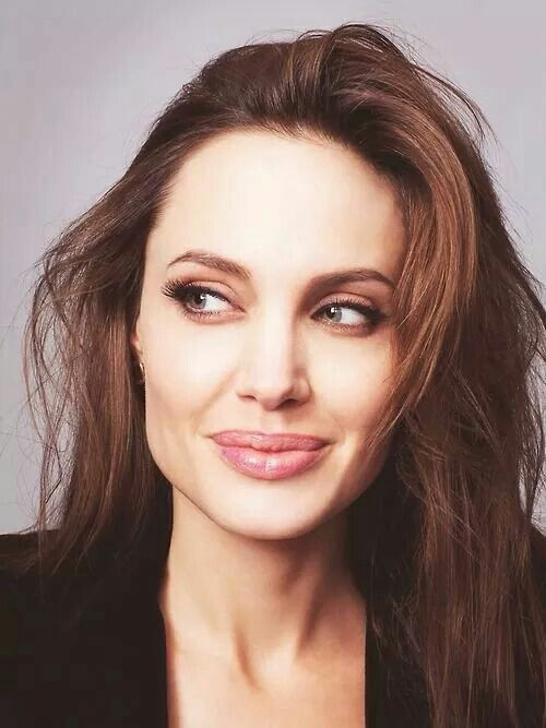 Angelina Jolie a mãe da coisa toda❤❤❤❤