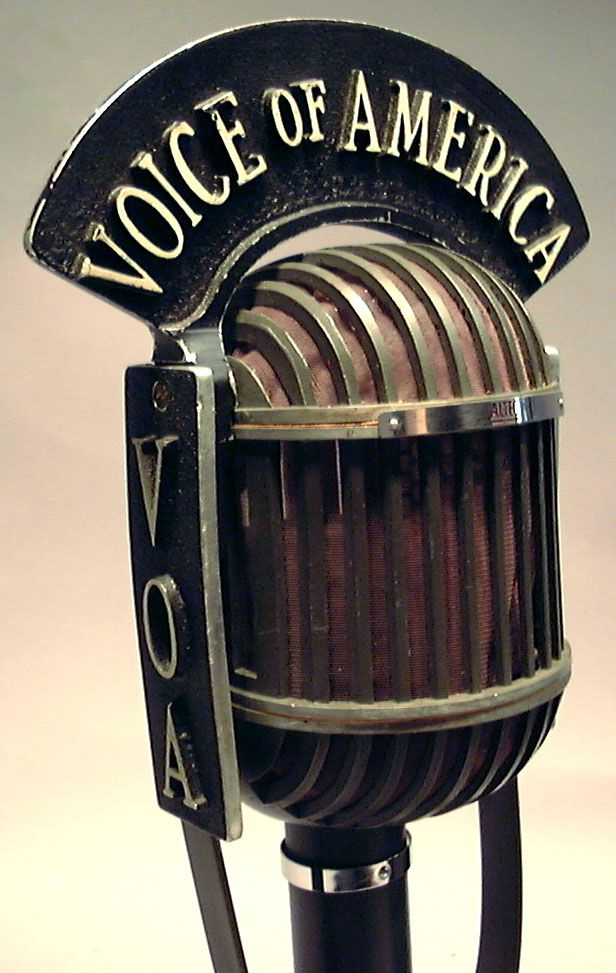 1940s microphone | ... velocity microphone in 1939, and was sold by Altec in…
