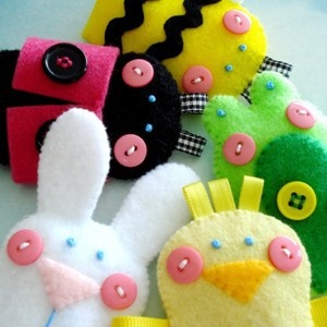 Spring Finger Puppets: Sewing Toys, Felt Fingers Puppets, Fingerpuppets, Sewing Pattern, Adorable Sets, Fabrics Cases, Bumble Bees, Spring Fingers, Finger Puppets