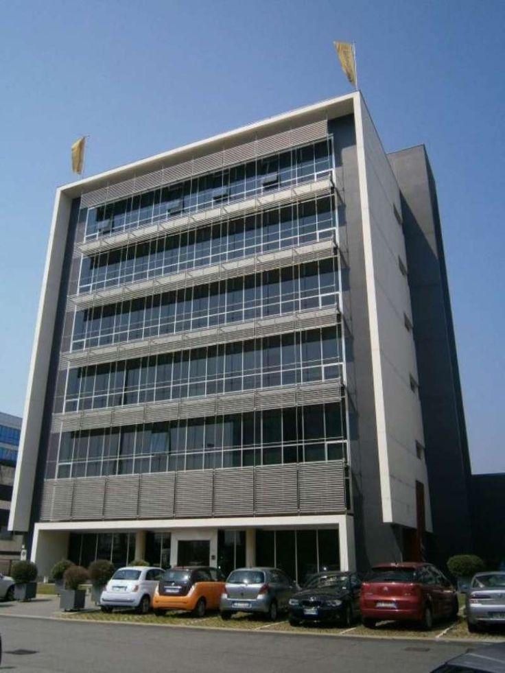 Rif.  EK-1466425 Ufficio di rappresentaza al 2 piano molto luminoso