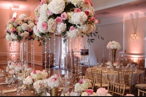 Glam Wedding Inspiration � OMG, have you ever seen such gorgeous florals and...