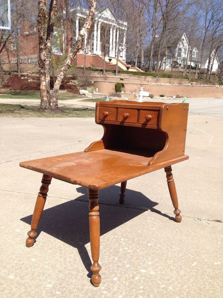 Vintage Ethan Allen Baumritter Heirloom Maple Nutmeg Step