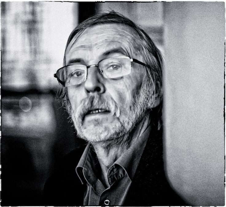 Rozmowa z prof. Zbigniewem Mikołejko, historykiem i filozofem religii, o braku przyzwoitości i bierności Polaków, oraz o tym, że bez biedy nie ma buntu.