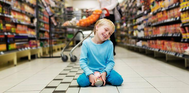 Mejora el TDAH de tu hijo en la cola del supermercado aprendiendo a utilizar los tiempos muertos entrenando sus funciones ejecutivas.
