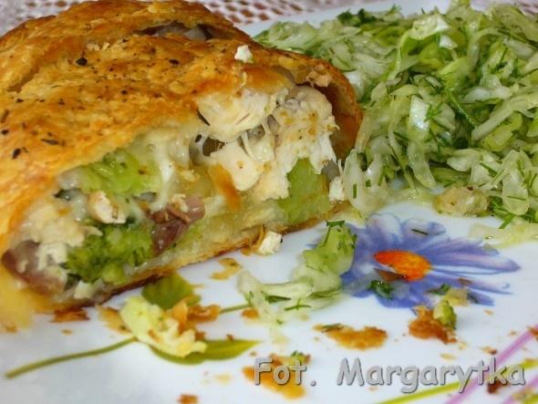 Kulinarne szaleństwa Margarytki: Kurczak z brokułami i mozzarellą w cieście francuskim: Food, Mozzarella, Cieście Francuskim