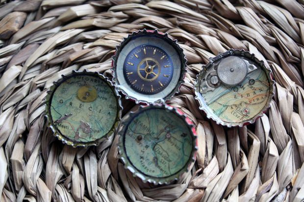 Picture of Bottle Cap Brooches