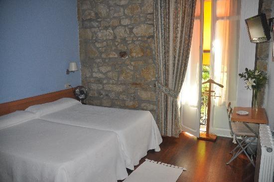 Pension Bellas Artes (San Sebastian - Donostia, Spain) - Hotel Reviews - TripAdvisor