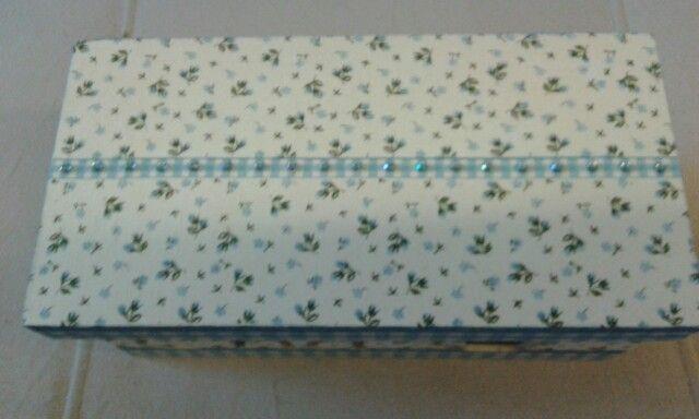 Caixa de chá flores azuis