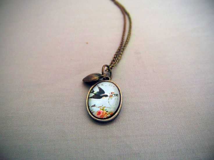 Teeny Tiny Pendant necklace with charm http://songbirddesigns.mysupadupa.com/collections/songbird-classic/products/teeny-tiny-pendant-necklace-with-charm--2