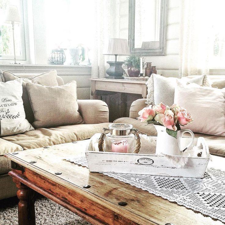 God morgen fra stua mi☀️ #stue #livingroom #landlig #landliv #lantliv #levvakkert #roser #roses #interiør #interior #inspirasjon #inspiration #interior4all #interior4all1 #interiorperfection_hanneh1 #instainterior #myhome #myhouse #mynorwegianhome