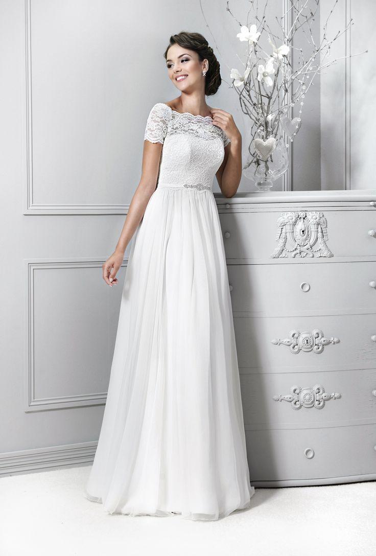 svatební šaty tylová sukně splývavý styl s rukávy krajka Agnes 14177