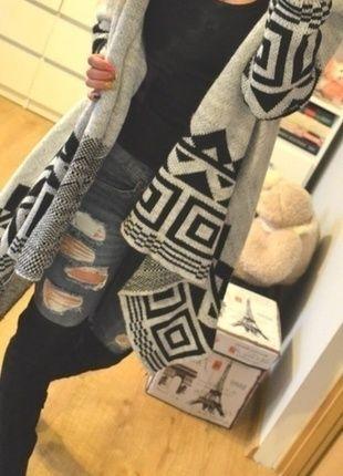 Kup mój przedmiot na #vintedpl http://www.vinted.pl/damska-odziez/dlugie-swetry/10588952-sweterek-aztecki-wzor-dlugi