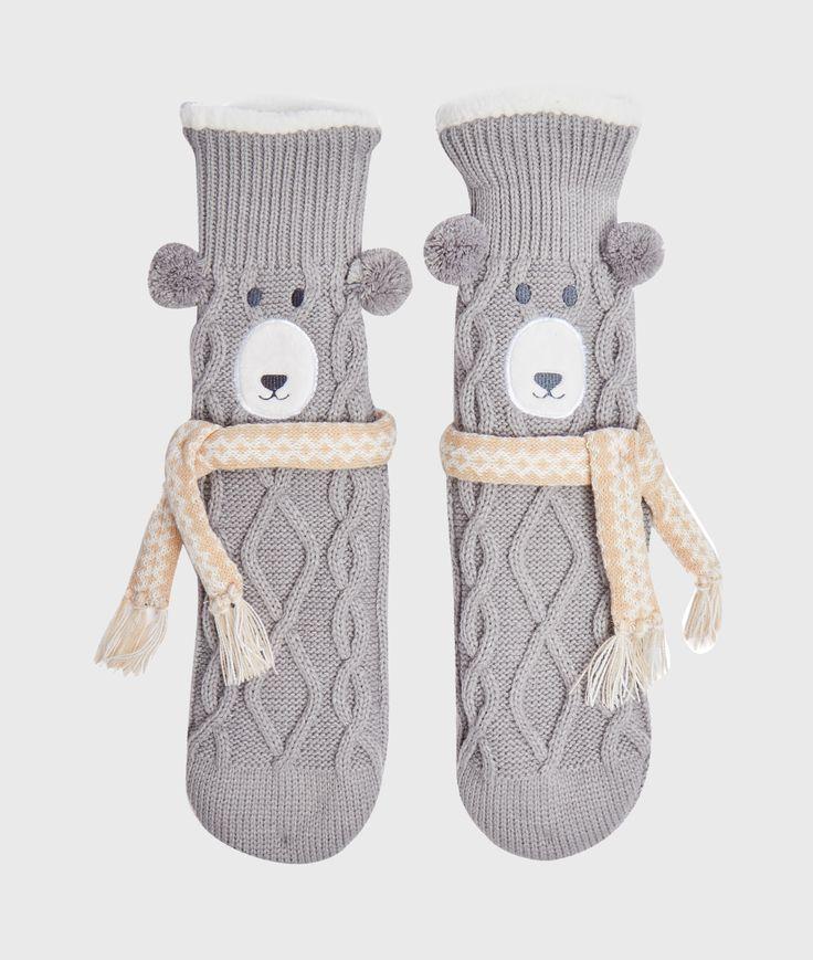 La nouvelle forme incontournable pour garder ses petons au chaud: les chaussettes en maille dévoilent des petits animaux mignons!   • Chaussons chaussettes  • Pattes antidérapants  • Intérieur polaire