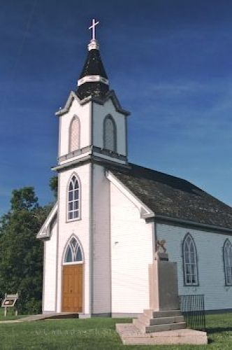 Picture of a historic church in the village of Hecla at Lake Winnipeg, Manitoba.