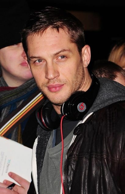 Tom Hardy rockin beats