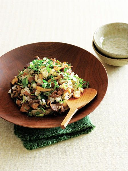 【ELLE a table】牛肉ときのこ、クレソンの混ぜごはんレシピ|エル・オンライン