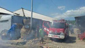 Tiga Lapak Terbakar di Pasar Mentigi  Polsek Nusapenida Amankan TKP