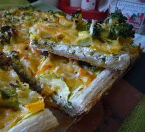 Овощной пирог с начинкой из трёх сыров
