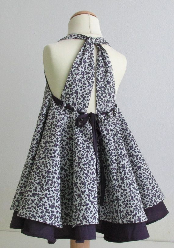 what a cute back for a dress...I will have to do this some time for either one of the little girls or myself