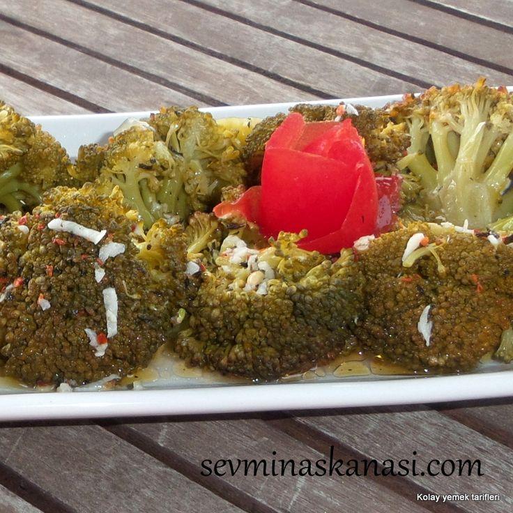 İster diyette ister nefis pişmiş ızgara et yanında ister börek yanı ister balık yanı bu tarif bir başka duymayan kalmasın diye sevminaskanasi.com da  TARİFİN DEVAMI aşağıya bir tık  http://www.seviminaskanasi.com/tarif/brokoli-salatasi