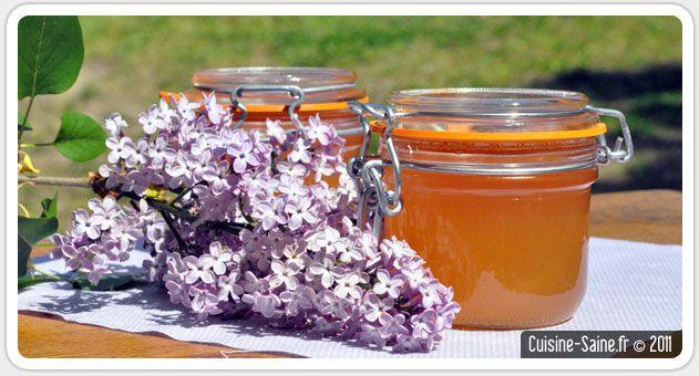 GELEE DE FLEURS DE LILAS (vin blanc moelleux, eau, fleurs de lilas, 4 g d'agar-agar pour 1 L de jus, sucre)