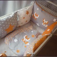 Tour de lit + gigoteuse renard orange, gris et blanc