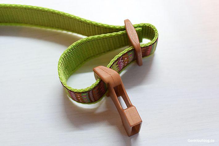 Nähanleitung für Norwegergeschirr Hundegeschirr Steckschnalle und Schieber einfädeln