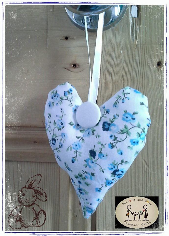 Fabric hanging heart, home décor www.facebook.com/buttonsandbowshandmadegifts