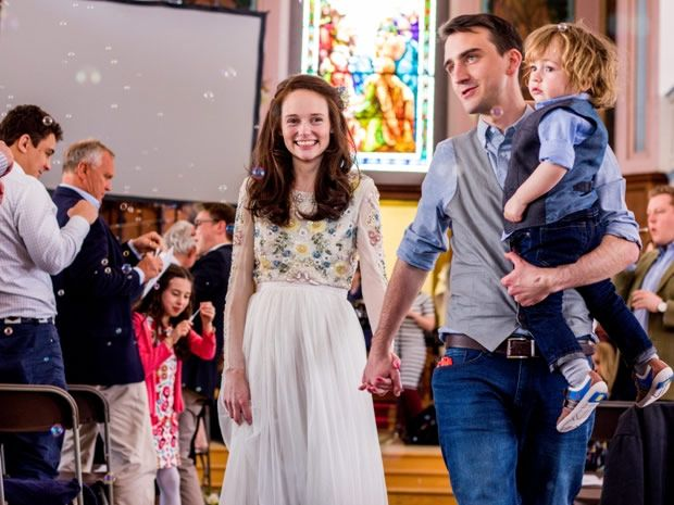 Saskia Gregory and James Crawley celebrated their #spring #wedding at St Paul's Church in #Cheltenham. Image © Kayleigh Adams Photography.