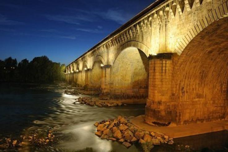 Le Pont Canal à Agen, France