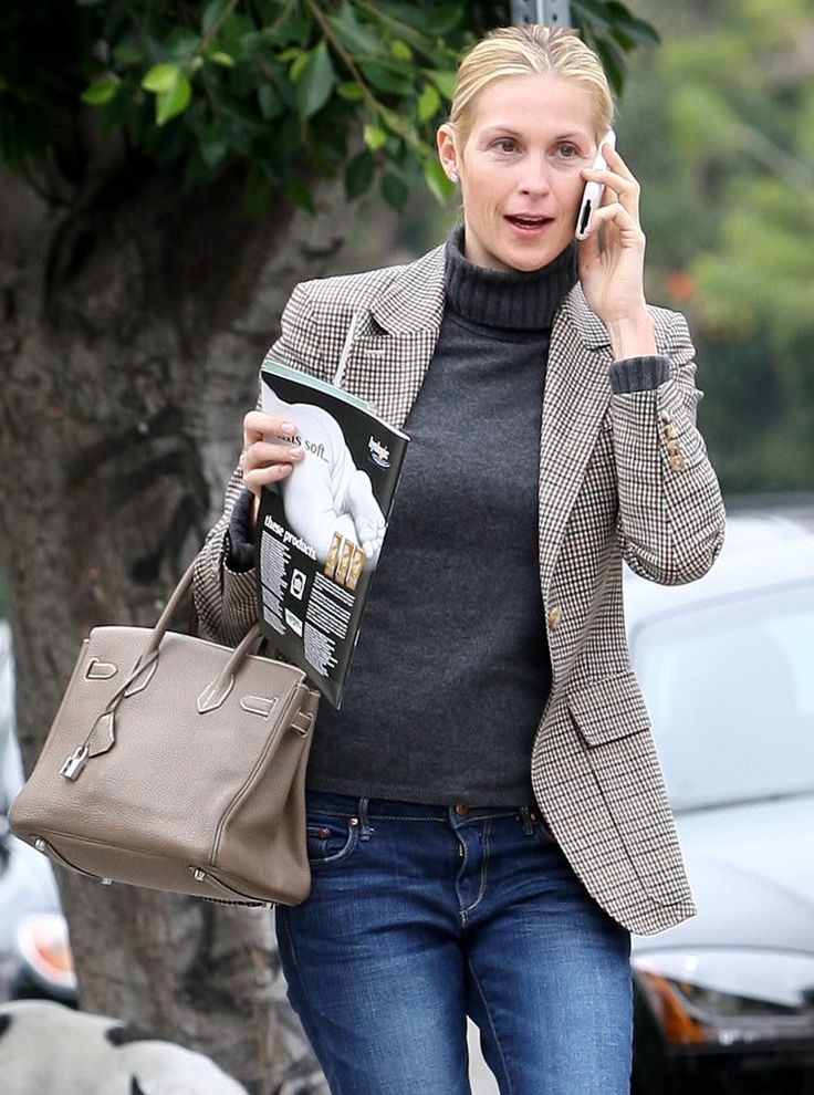Fashion do. Classic style.Kelly Rutherford.