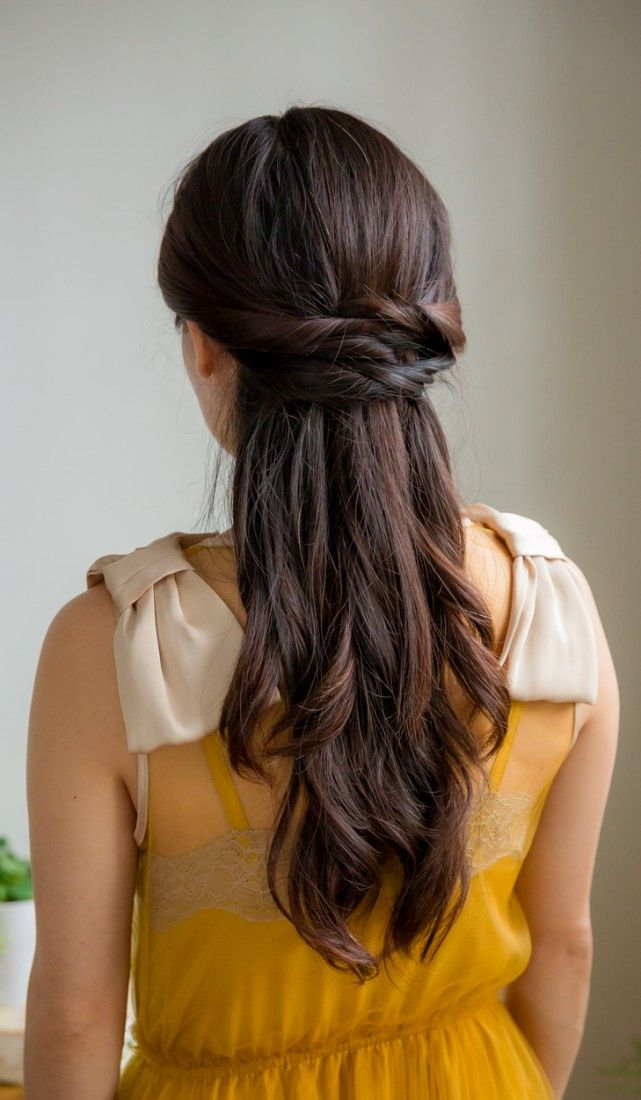 Beautiful Half Up Hairstyle - great for a special occasion or an everyday look! Inspired by L'Oreal Advanced Hairstyle