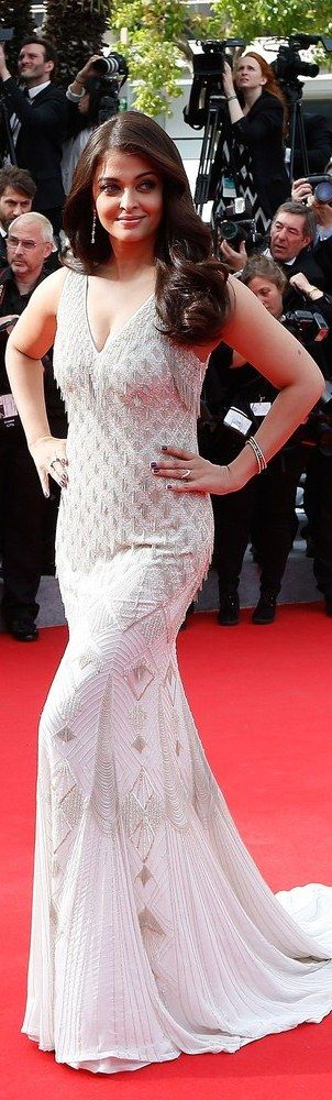 Aishwarya Rai Bachchan at the 67th edition Cannes Film Festival 2014 (Red Carpet) #AishwaryaRai #Cannes #RedCarpet