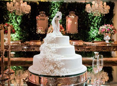 Saiba como escolher estilo, sabor e tamanho do seu bolo de casamento