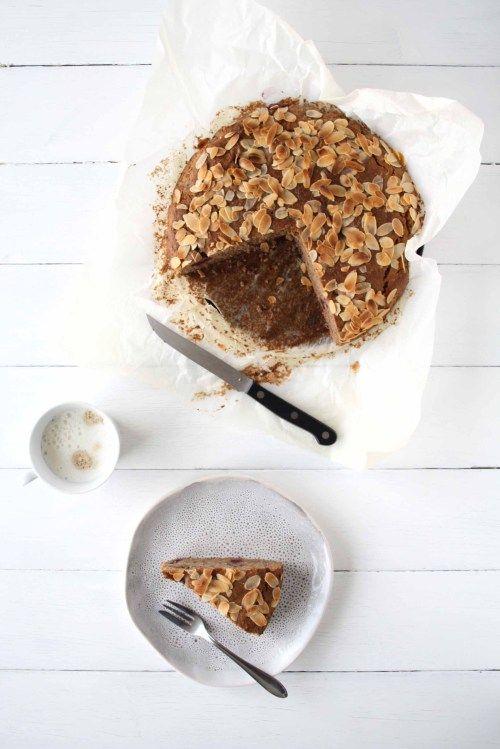 Für die Kaffeepause zwischendurch: Buchweizen-Walnuss-Kuchen mit Kirschen · Homemade Deliciousness