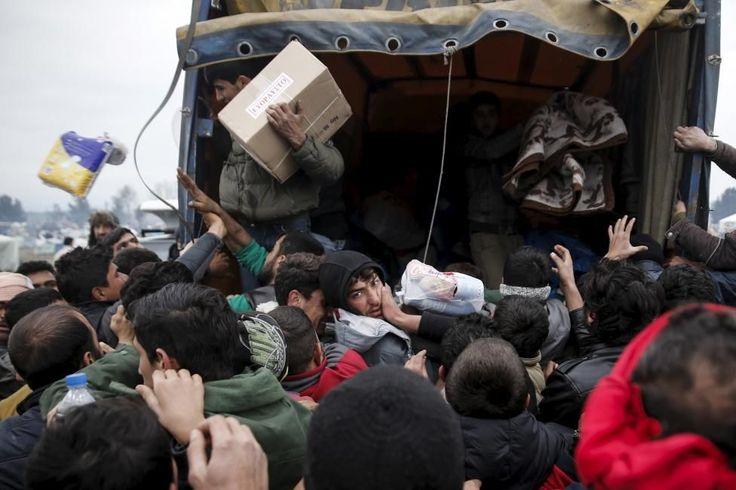 La crisis de refugiados que vive el mundo, con miles de personas abandonando países como Siria, Irak o Afganistán para intentar mejorar sus condiciones de vida, ha dejado en los últimos meses multitud de imágenes que no dejan indiferentes. Algunas de las más repetidas han sido las de la gente confinada en campos de refugiados, principalmente en Turquía, Líbano y Jordania primero y en Grecia después, en una situación deplorable en la que había escasez de alimentos y todo tipo de servicios…