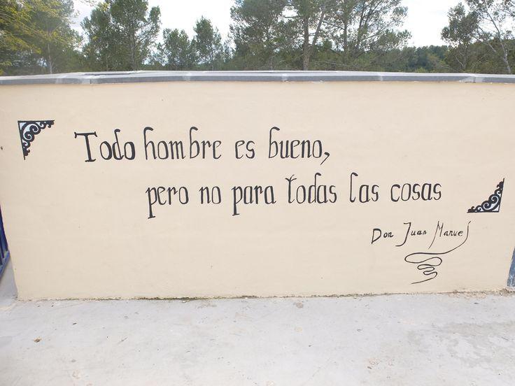 Una famosa frase del Infante D. Juan Manuel en una pintura mural