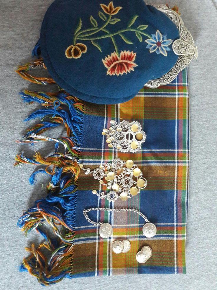 Sjal, sølv og veske Nordlandsbunad