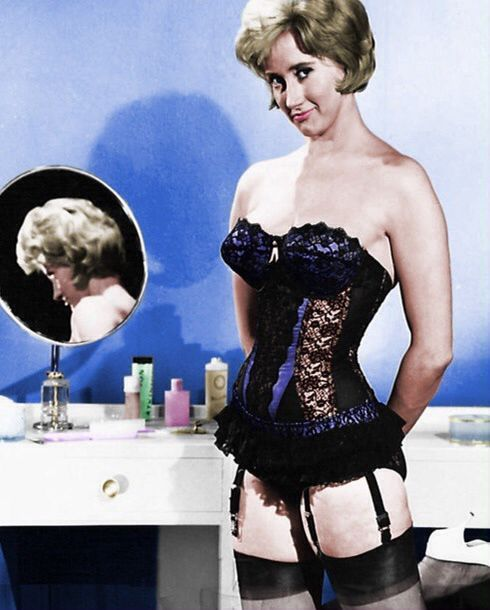 Liz Fraser - Carry on Cruising