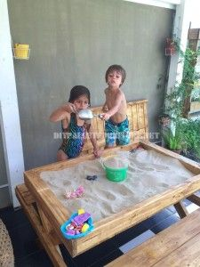 Table and sandbox of pallets